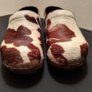 b7e1fa74f0a Sanita Cow Print Calf Hair Clogs - Womens Size 38